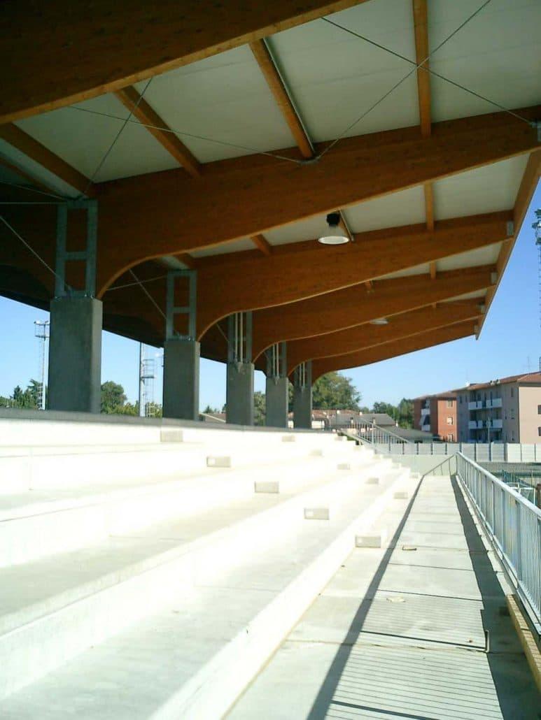 tribuna sportiva crema (1)