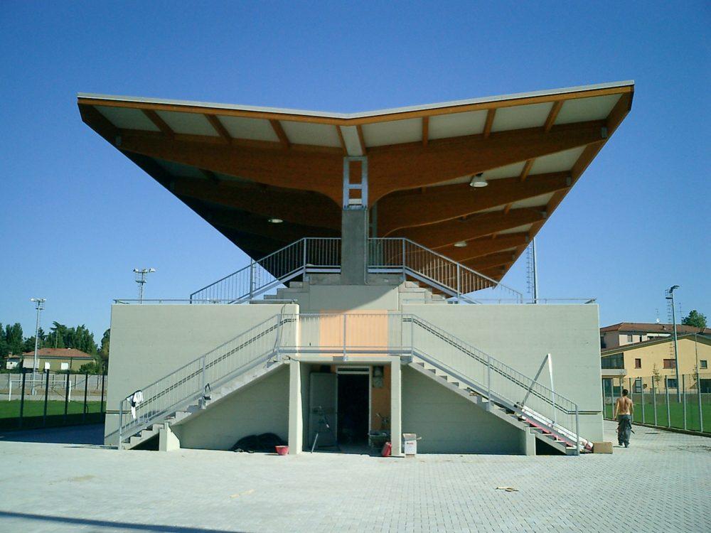 tribuna sportiva crema (2)
