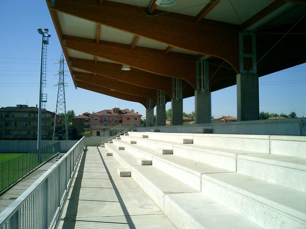 tribuna sportiva crema (6)
